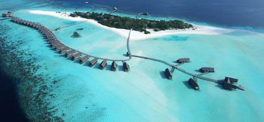 Die schönsten Luxushotels auf den Malediven. Nicht ganz billig aber wie schrieb einst Oscar Wilde: Man versehe mich mit Luxus. Auf alles Notwendige kann ich verzichten.