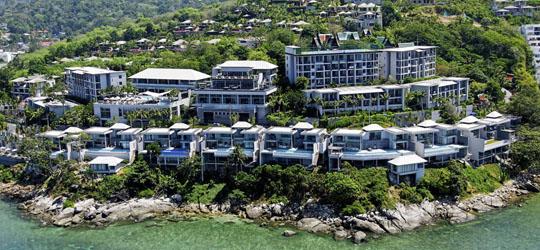 Am Kamala Beach auf der thailändischen Ferieninsel Phuket liegt das 5-Sterne Cape Sienna Hotel & Villas. Das Cape Sienna bietet alle Annehmlichkeiten eines 5-Sterne-Hotels und einen wunderschönen Blick auf das Meer.