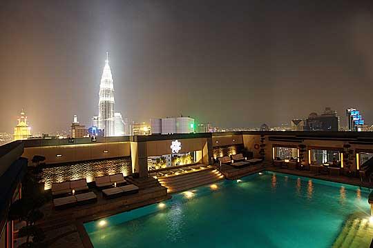 Pool im Pacific Regency Hotel Kuala Lumpur - © flickr.com -Shayan (USA)