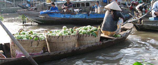 Schwimmender Verkaufsstand auf dem Mekongdelta in Vietnam
